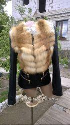 Куртка с натуральным мехом лисы в наличии Очень красивая
