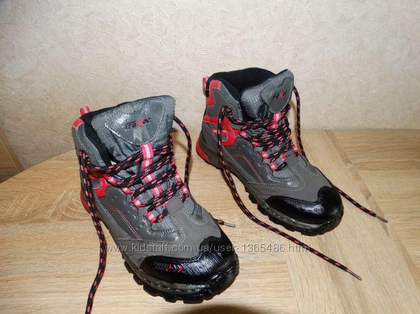 Трекинговые ботинки на мембране TrekTec , 22, 5 см. по стельке