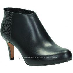 Шкіряні черевики Clarks