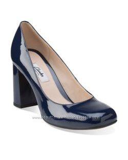 Шкіряні туфлі Clarks Gabriel Mist Navy Patent
