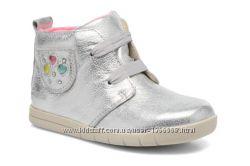 Шкіряні черевички Clarks Crazy Tot
