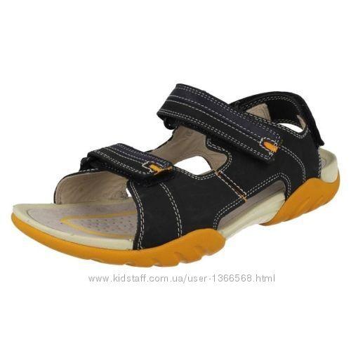 Шкіряні сандалі  Clarks Mirlo Air