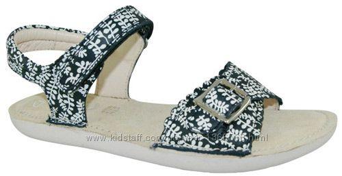 Шкіряні сандалі Clarks Ivy Blossom Jnr Navy