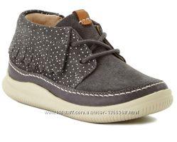 Шкіряні черевики Clarks Cloudaklark Inf Grey