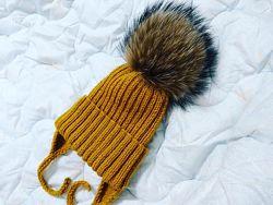 Стильная детская вязаная шапочка шапка ручная работа помпон енот