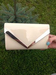 Лаковый клатч-конверт