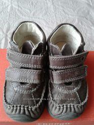 демисезонные кожаные ботиночки Froddo 20 р стелька 13см