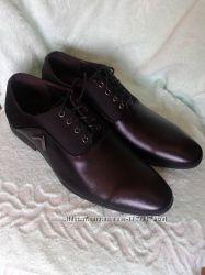 Кожаные туфли новые р. 42