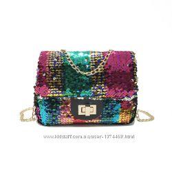 Разноцветная сумка в паетках
