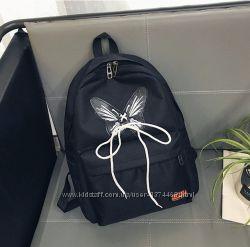 Черный рюкзак с принтом Бабочка