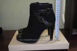Замшевые демисезонные ботинки Giorgio Vasari