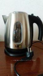 Електричний чайник в ідеальному стані. Використовувався дуже мало.