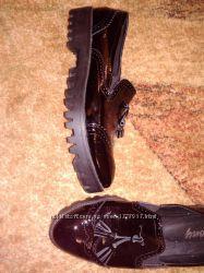 Лакированные туфли-лоферы