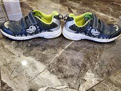 Шкіряні кросівки від Clark&acutes