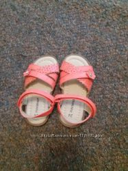 Очень красивые босоножки сандали