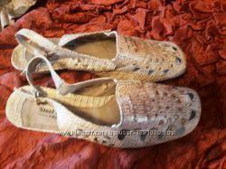 Туфли для школы. Качественный заменитель кожи. 35 размер , по стельке 22 см