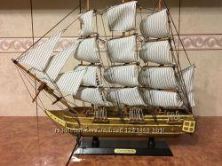 Корабль парусник подарочный