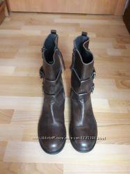 Кожаные новые женские ботинки buffalo