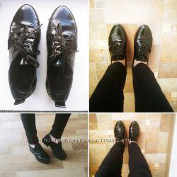 Кожаные туфли лаковые лоферы