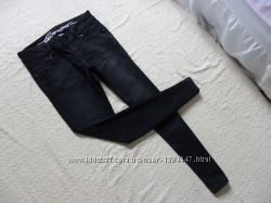 Стильные джинсы скинни Esprit , 28 размер.