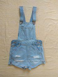 Крутой джинсовый комбинезон H&M, 32 размер.