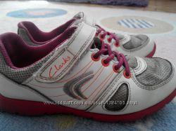 Кроссовки Clarks для девочки, размер 10, 5G р. 28 стелька 18, 5 см