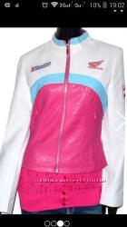 Демисезонная куртка новая размер М