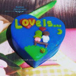 Мыло ручной работы Love is .