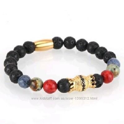 Стильные браслеты из вулканической лавы и камней с шармами разные варианты