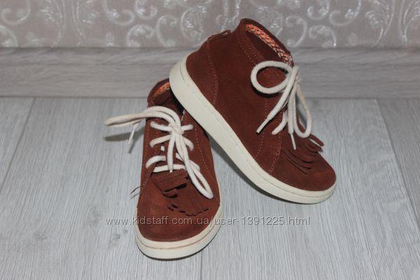 Стильные замшевые ботинки Zara