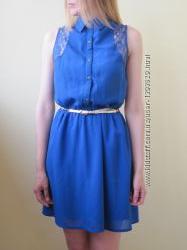 Шифоновое платье рубашка приталенное с кружевом и воротничком ярко синее