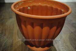 Продам горшок для цветка матовый пластиковый коричневый в отличном состояни