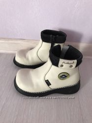 Белые ботиночки на девочку Antilopa