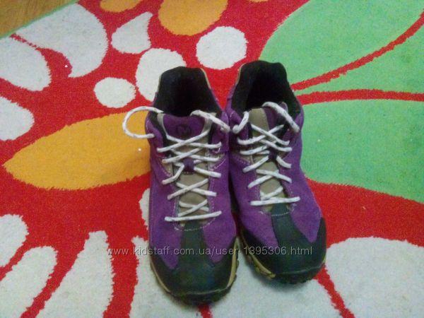 Фирменные ботинки для мальчика