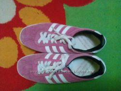 Кроссовки для девушки