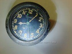 Часы СССР  Танковые - 8 дней 1941 года . Г - 2487. Редкие.