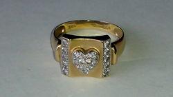 Золотое кольцо rina / 585 пробы с бриллиантами, 0.02 карата.