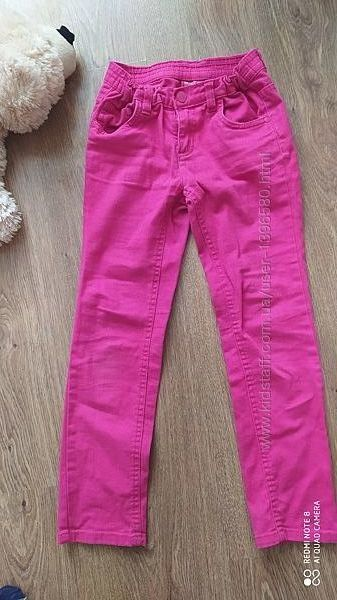 Розовые джинсы девочке р.128