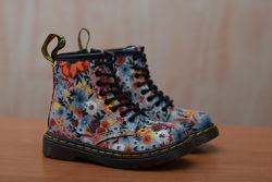 Детские ботиночки для девочки Dr. Martens, 22 размер. Оригинал