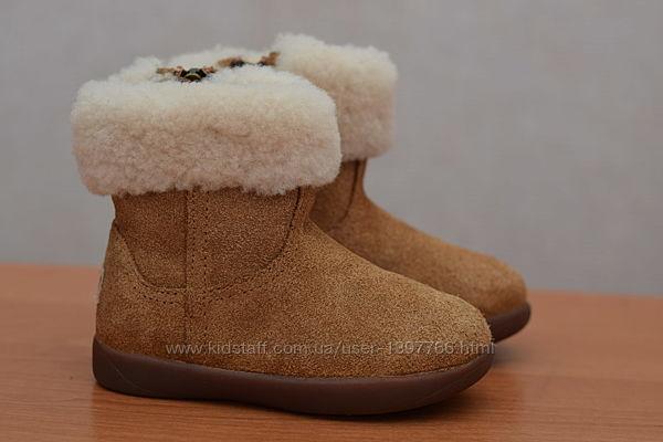 Коричневые замшевые детские ботинки, сапожки Ugg Australia. 22.5 размер