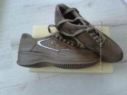 Нові кроссовки Renda