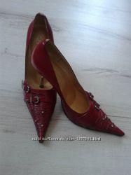 Елегантні жіночі туфельки