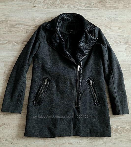 Пальто Amisu