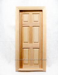Дверь филенчатая межкомнатная с рамой из дерева для домика в миниатюре