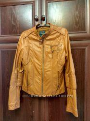 Курточка рыжая хороший кожзам