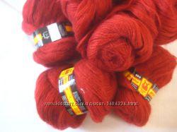 Шикарная пряжа -цвет сезона красная груша 15 мохер