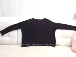 Легкий сиреневый свитер  большого размера.