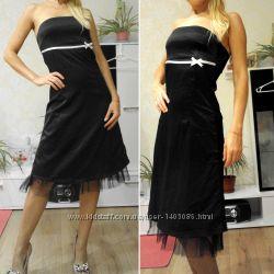 Фирменное черное атласное платье без бретелей jane norman