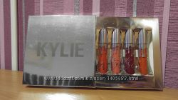Kylie Holiday Edition lip kit 4 штуки в наборе