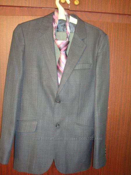 Школьный костюм для старшеклассника